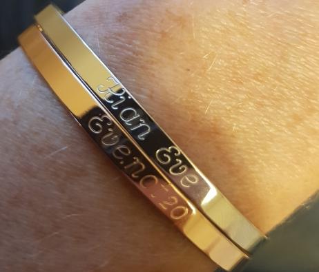gravure personnalisée sur bracelet